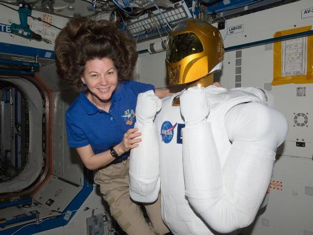 Космос: тут так круто, что даже у белых афро-стайл